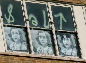 Streetart - Anne Frank_5