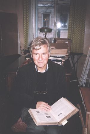 Dieter E. Zimmer 1999 im Nabokov Museum, St. Petersburg. Foto: Olga Voronina