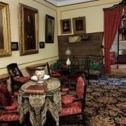 Lew mochte diesen Raum nicht – er war ihm zu prunkvoll.